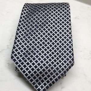 "All ties 2 for $7 Nautica silk tie 3.25""x 58"""